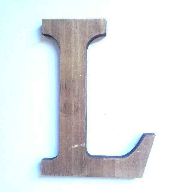 Letra L de madera