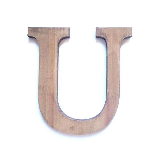 Letra U de madera