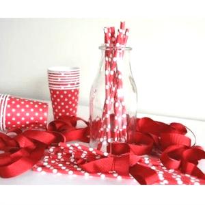 pajitas-papel-rojas-lunares-blancos