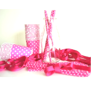 Pajitas-papel-rosas-lunares-blancos