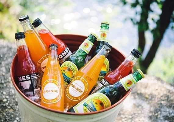 cubo_de_bebidas_frias_para_boda_mesa_de_bebidas_para_boda