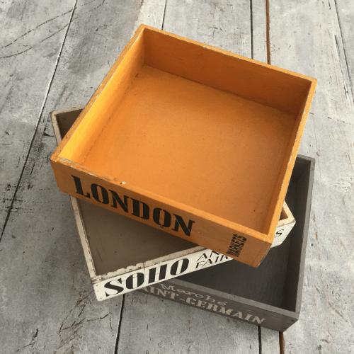 caja madera cosmopolita