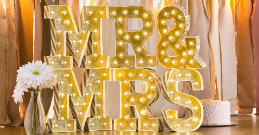 decoracionletras-luz--mr-mrs-marquee-love