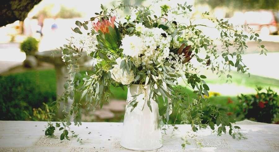 Jarra vintage con flores