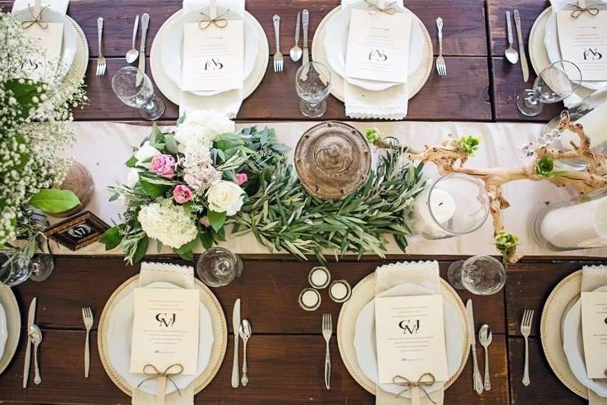 mesa de madera boho para boda
