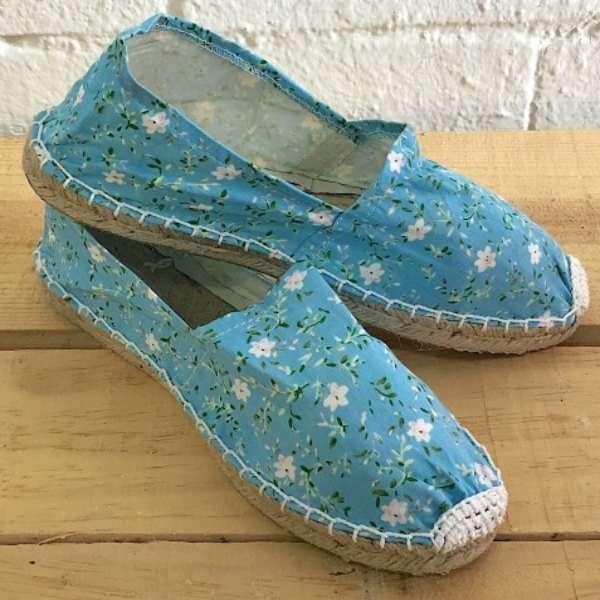Alpagatas azules con flores (Pack 12 un) 1B