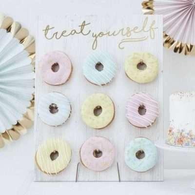 Donuts wall Boda