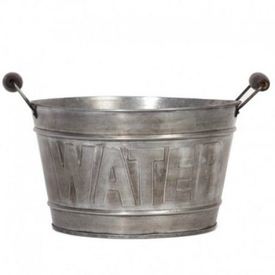 Balde metal water