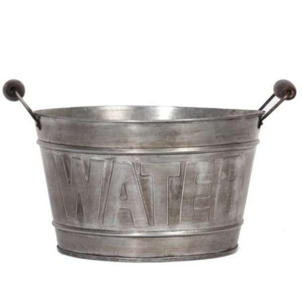 Balde metal water
