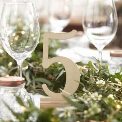numeros de madera para mesa. meseros madera para boda