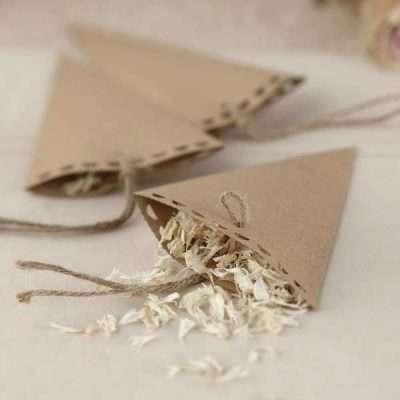 Conos para confeti y pétalos craft